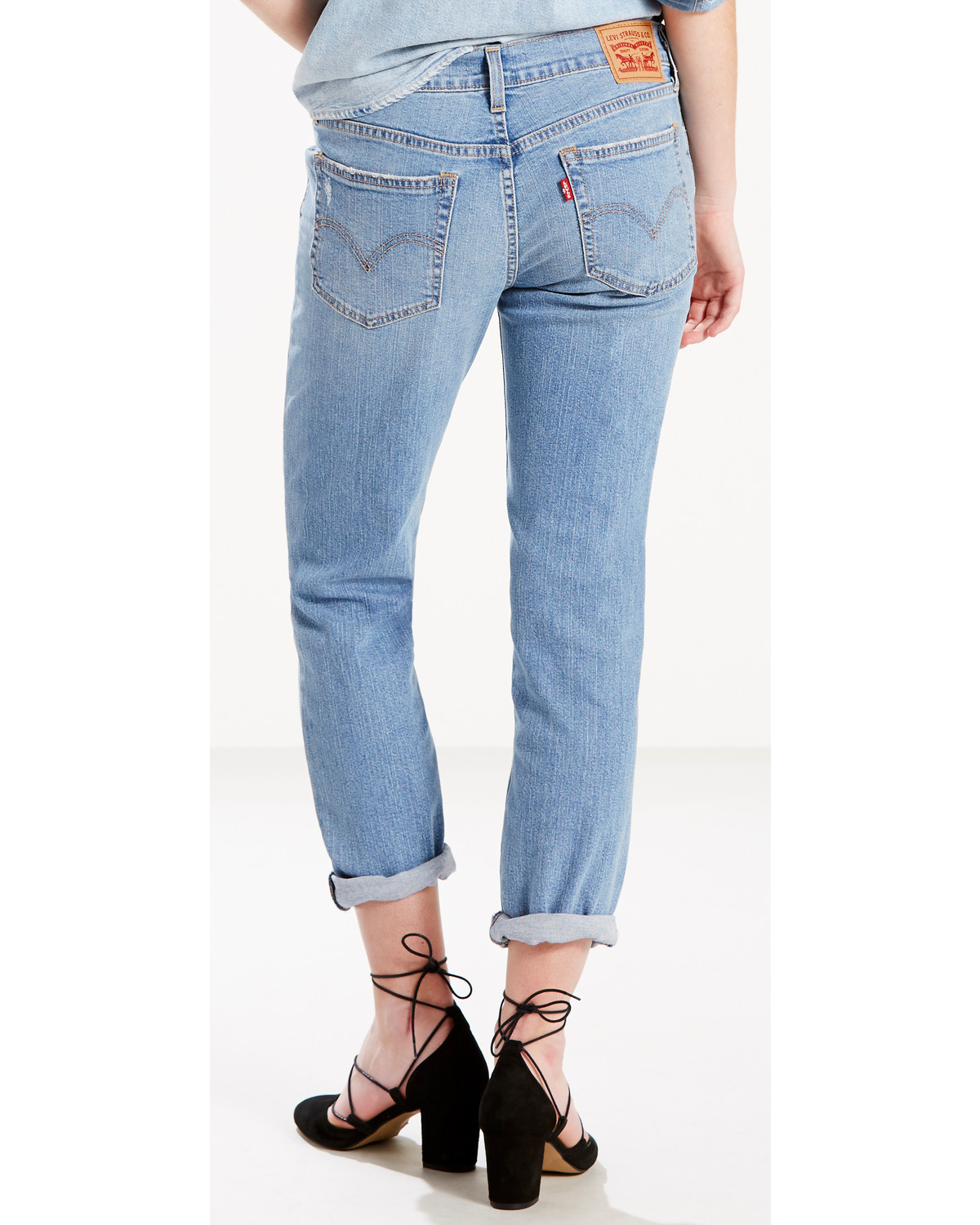 levi 39 s women 39 s gimme a break boyfriend jeans country outfitter. Black Bedroom Furniture Sets. Home Design Ideas