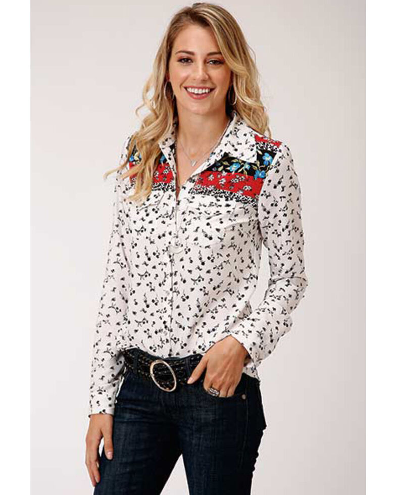 Studio West Women's Ditsy Floral Long Sleeve Western Shirt, White, hi-res