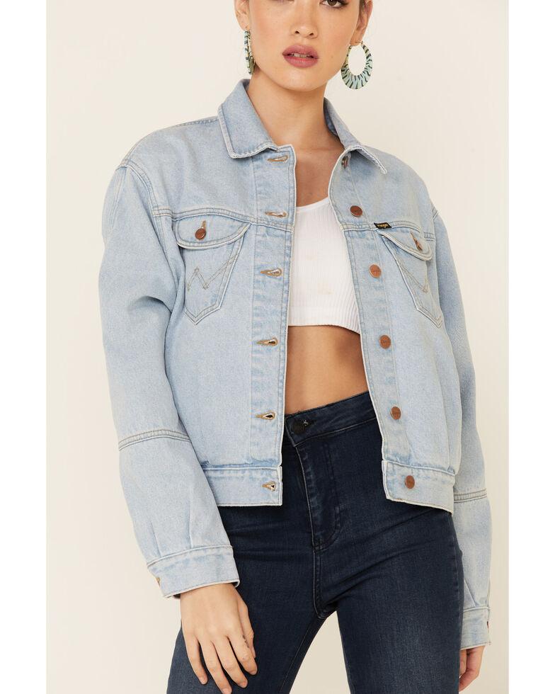 Wrangler Women's Light Wash Denim Western Button-Front Trucker  Jacket , Blue, hi-res