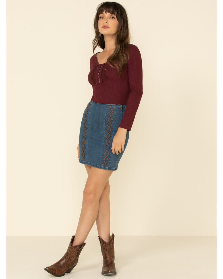 Idyllwind Women's Cozytown Lace Henley , Burgundy, hi-res