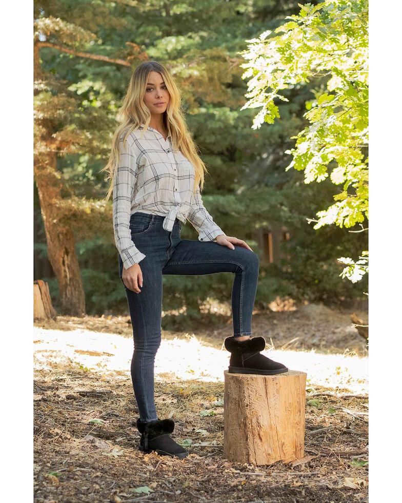Lamo Footwear Women's Elisa Black Winter Boots - Round Toe, Black, hi-res