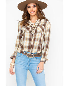 c2d49a2b383298 White Crow Women s Plaid Cropped Tail Flannel Western Shirt