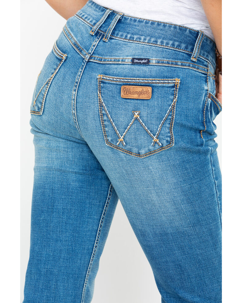 97c357a6 Zoomed Image Wrangler Retro Women's Mae Mid Boot Jeans , Medium Blue, hi-res