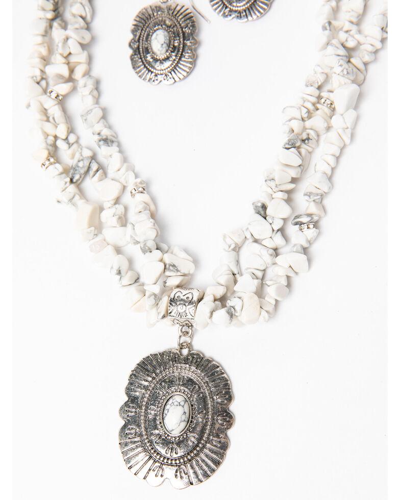 Shyanne Women's White Falls Chunky White Concho Pendent Set , Silver, hi-res