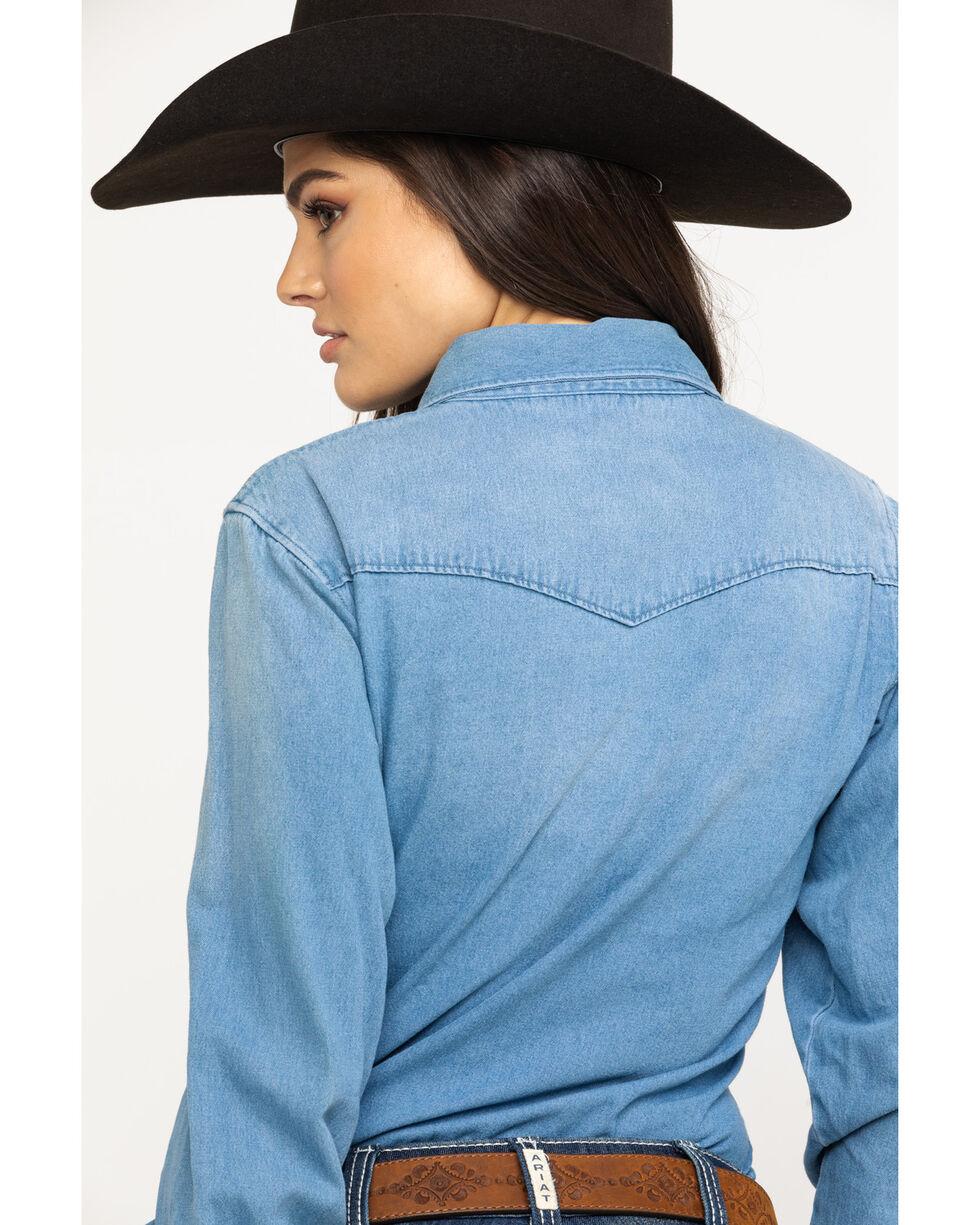 Cinch Women's Lightweight Chambray Pearl Snap Long Sleeve Western Shirt, Indigo, hi-res