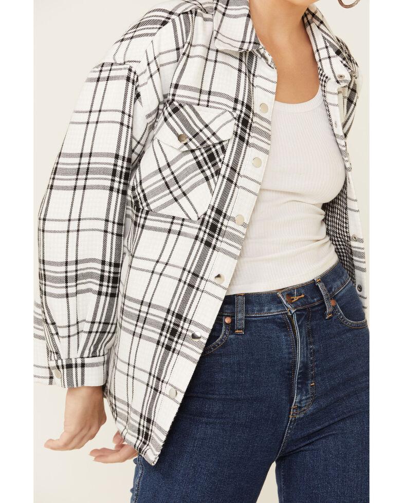 Velvet Heart Women's Marvela Houndstooth Plaid Long Sleeve Shacket , Black/white, hi-res