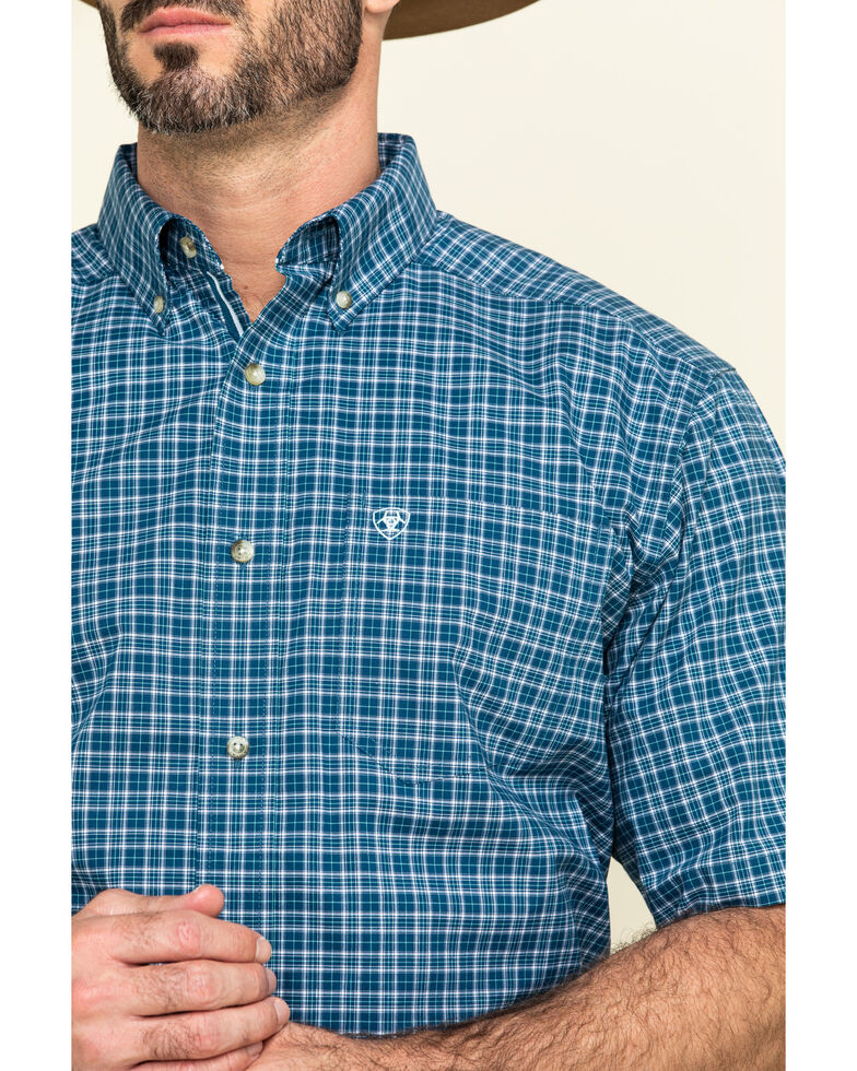 Ariat Men's Robbins Small Plaid Short Sleeve Western Shirt , Navy, hi-res