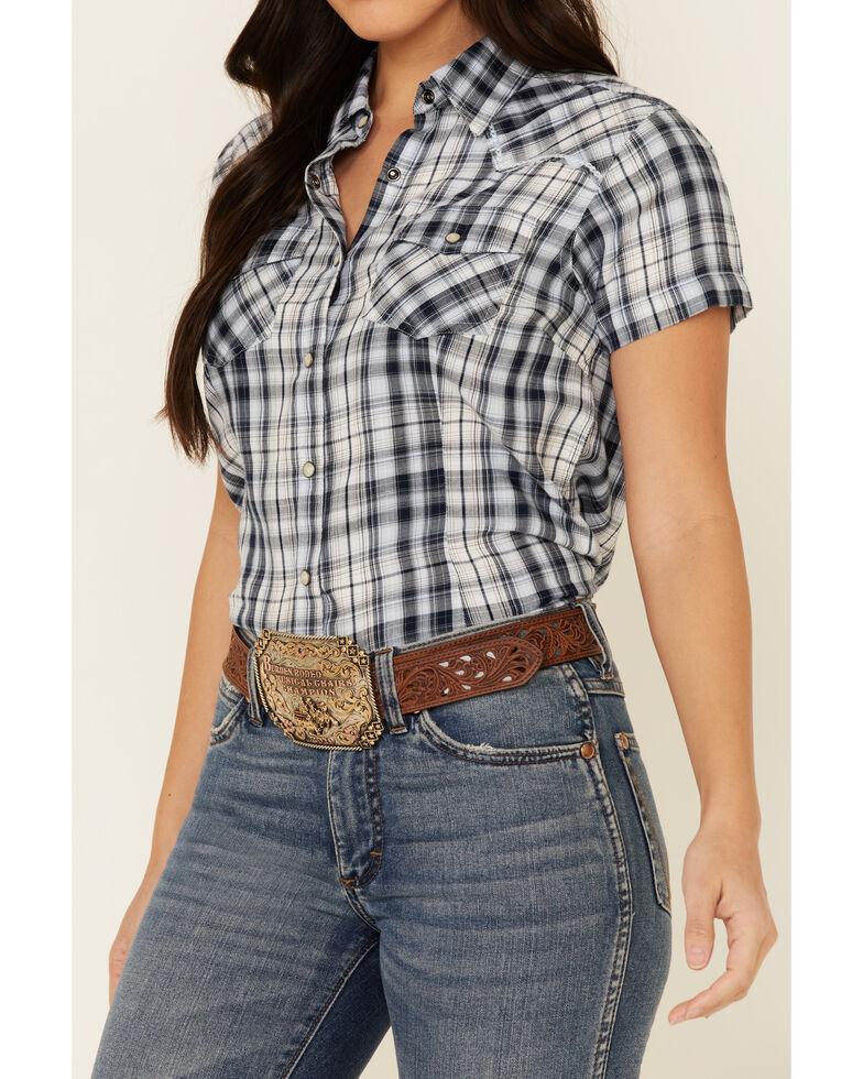 Ariat Women's R.E.A.L Delighful Yarn Dye Plaid Short Sleeve Western Core Shirt , Blue, hi-res