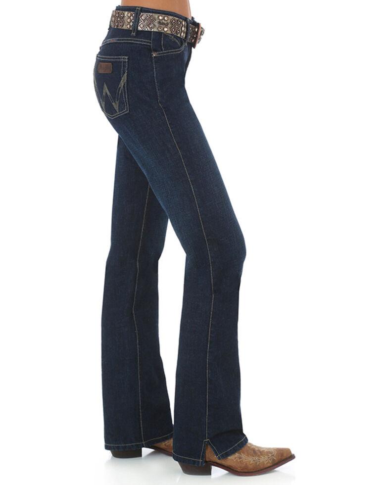 dee799eb Zoomed Image Wrangler Women's Dark Wash Cash Ultimate Riding Jeans, Blue,  hi-res