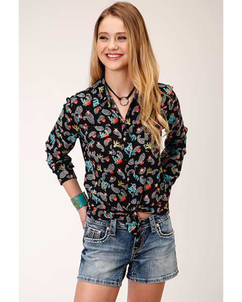 Roper Women's Cowgirl Print Long Sleeve Snap Western Shirt, Black, hi-res