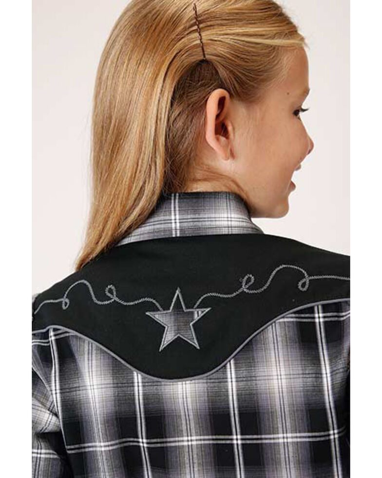 Roper Girls' Plaid Star Long Sleeve Western Shirt , Black, hi-res