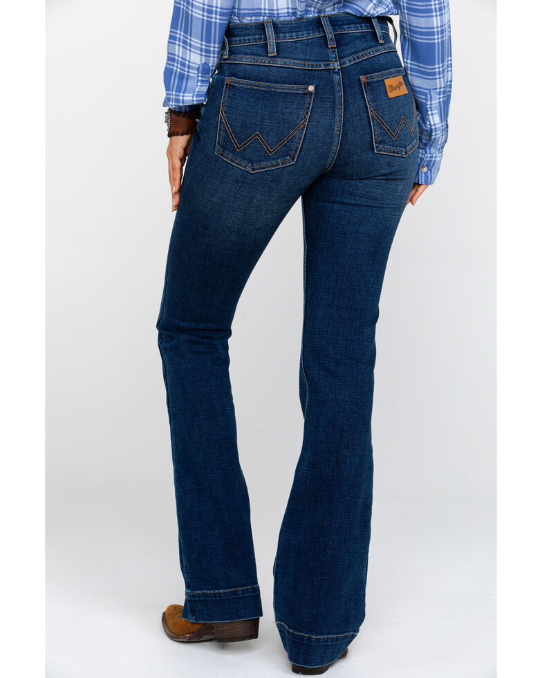 eed15442 Zoomed Image Wrangler Women's Heritage Exaggerated High Rise Boot Jeans , Dark  Blue, hi-res