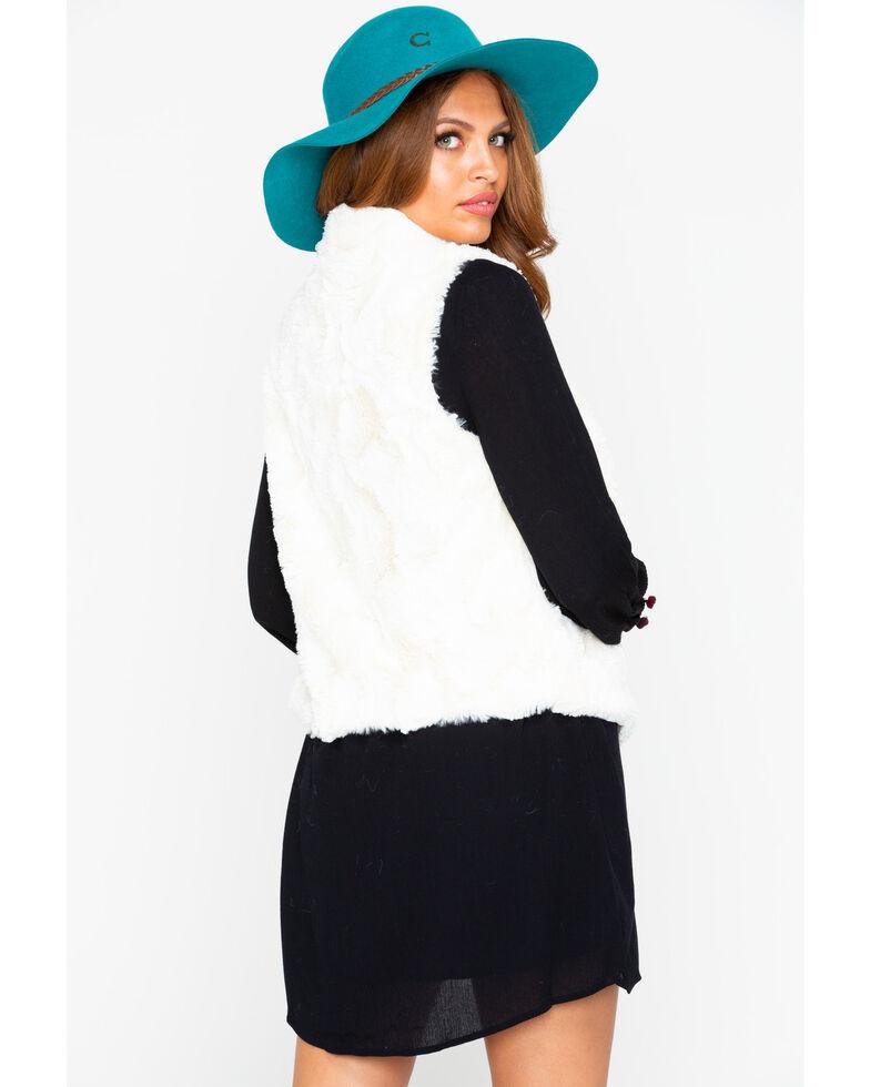 Jack By BB Dakota Women's Big Soft Vest , Ivory, hi-res