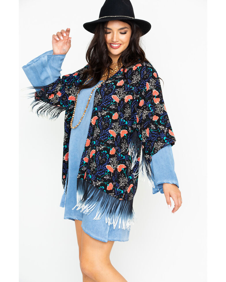 Rock & Roll Cowgirl Women's Carnation Print Kimono, Black, hi-res