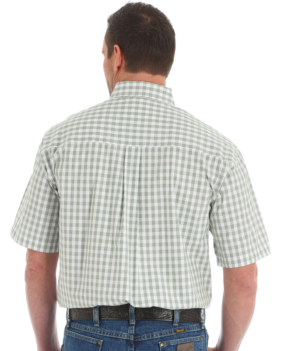 George Strait by Wrangler Men's Green Short Sleeve Plaid Shirt , Olive, hi-res