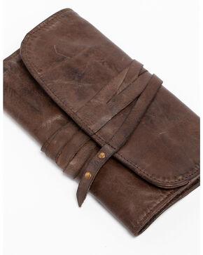 Idyllwind Women's Traveler Brown Leather Wallet, Brown, hi-res