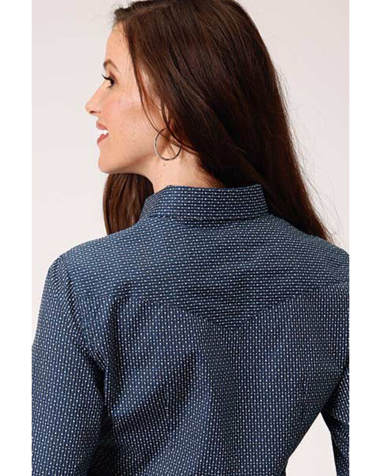 West Made Women's Straight Arrow Print Long Sleeve Snap Western Shirt , Blue, hi-res