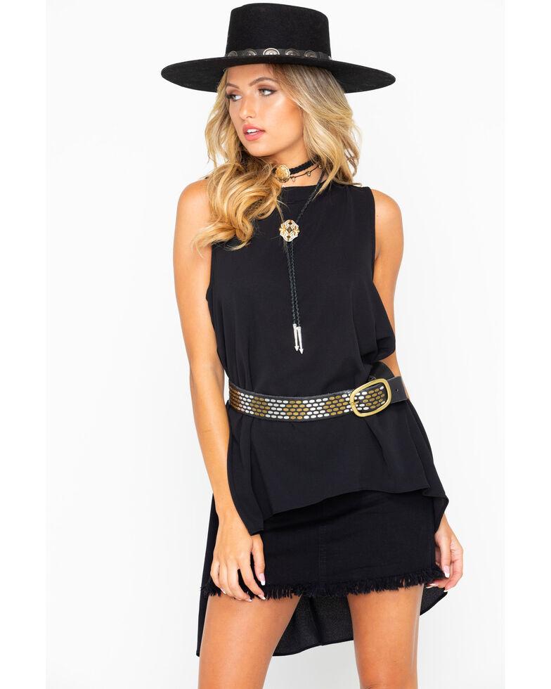 Wrangler Women's Hi Low Ruffle Back Western Fashion Top, Black, hi-res